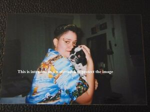 Vtg Photo Of Hawaiian Style Girl W/shaved Hair Style Hugging Pekingese Dog P86