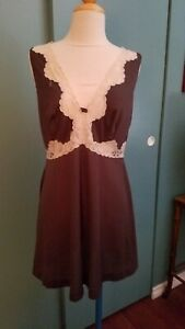Vintage Emilio Pucci For Formfit Rogers Large Nightgown Brown Beige Lace