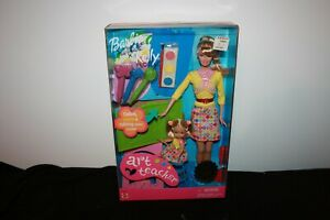 """art Teacher"" Barbie & Kelly Set W/ Art Supplies & Accessories Nib 2002"