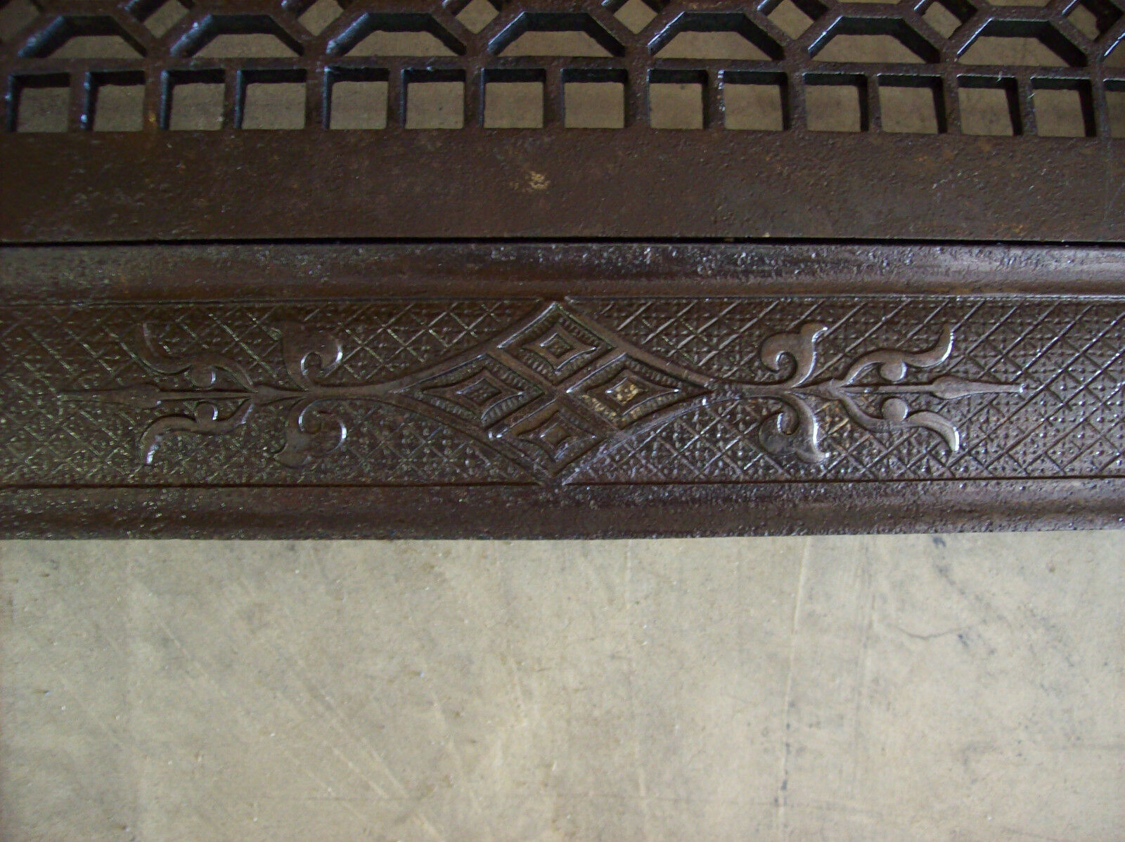 Single Heating grate Wall mount Honey comb Pattern (G 446)