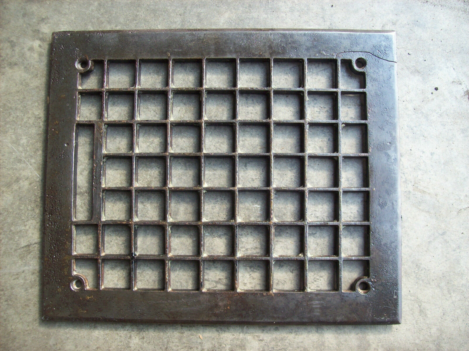 simple squares grate top no insert (G 457)