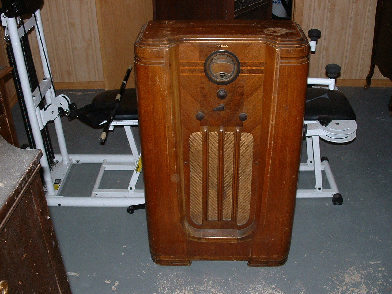 philco console tube radio floor model 37 630 wood 1937