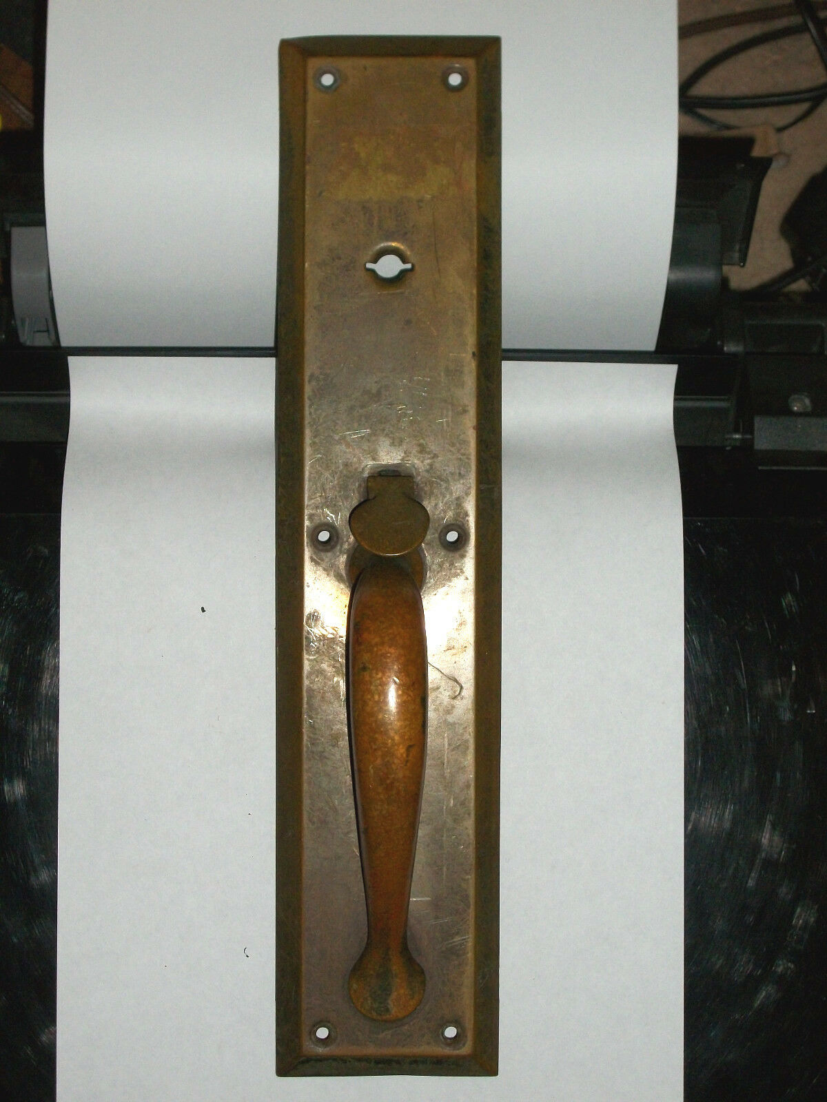 Antique Thumb Latch Pull Handle Door Plate Made of Brass