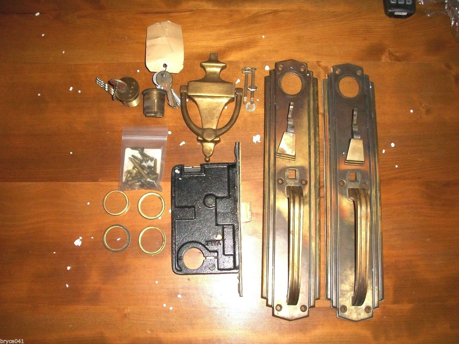 Antique Yale Art Deco Thumb Latch Entry Lockset With Lots of Keys