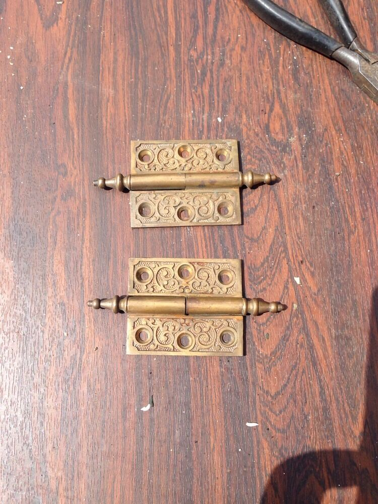 """Ms 4 Two Matching 2.5 X 2"""" 1870S Bronze Hinges"""