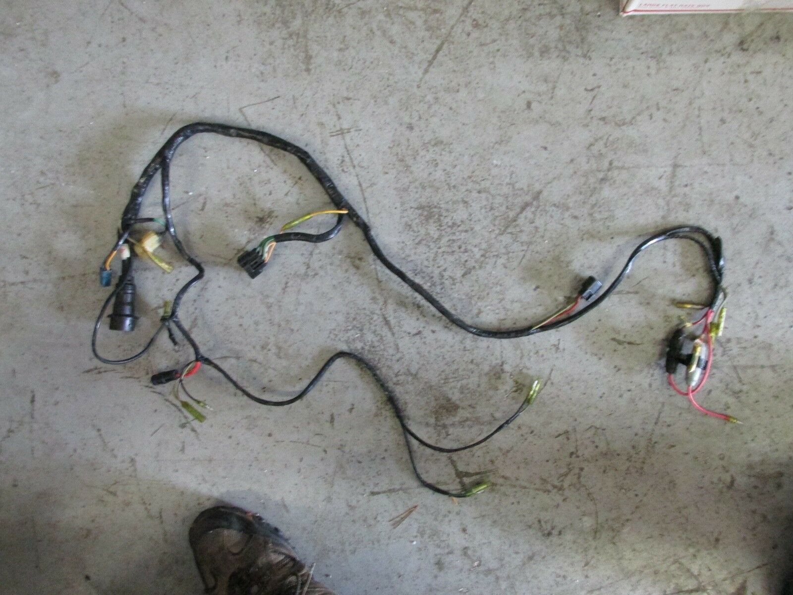 2005 Yamaha Outboard 150hp 2 Stroke Engine Wiring Harness 64d 82590 1 Of 3only Available