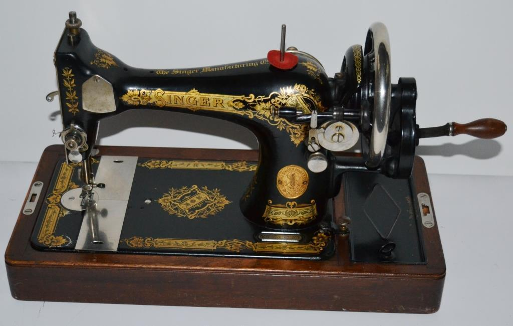 c1930 Singer 28K Hand Crank Sewing Machine - FREE Delivery [PL2000]
