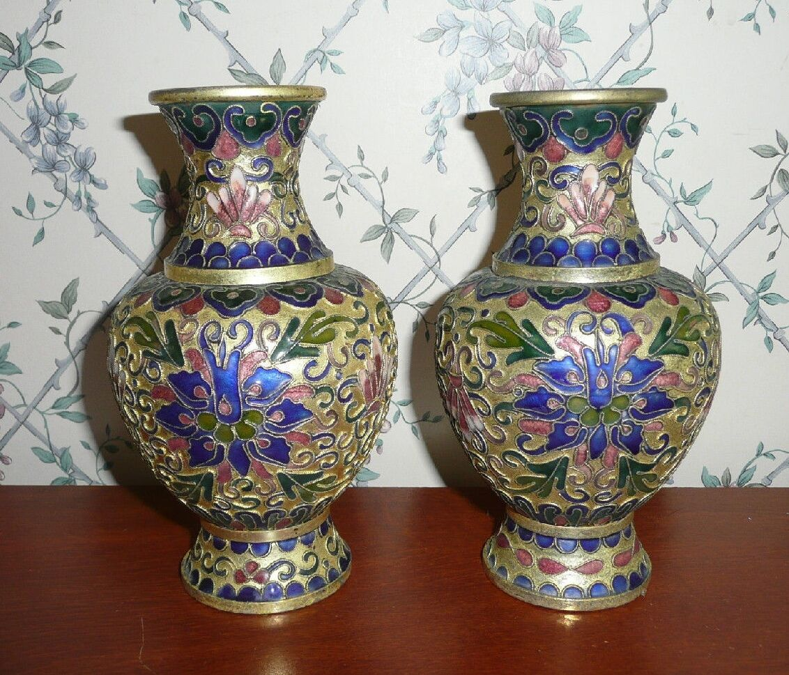 pair of decorative cloisonne urn style vases blue picclick. Black Bedroom Furniture Sets. Home Design Ideas