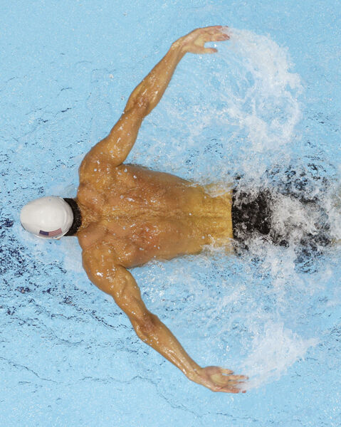 Michael Phelps Unsigned Photo American Competitive Swimmer F1127
