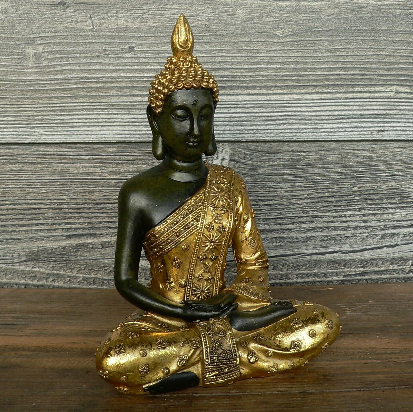 buddha gold sitzend 21cm gro feng shui statue figur skulptur schneidersitz neu eur 18 90. Black Bedroom Furniture Sets. Home Design Ideas
