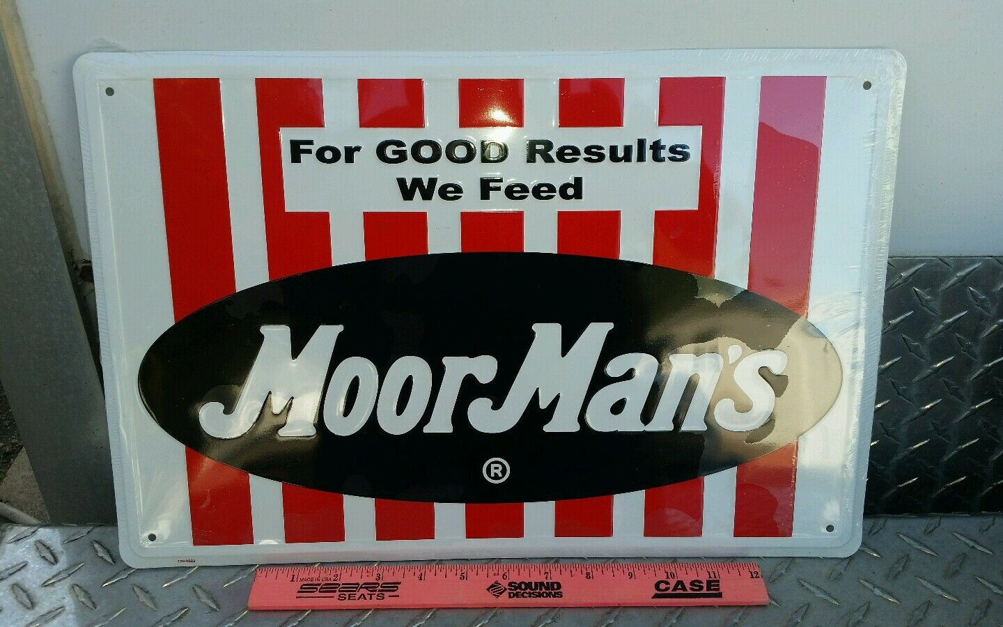 MOORMANS moorman's FEED aluminum One Sided Sign very colorful nice BRAND NEW!