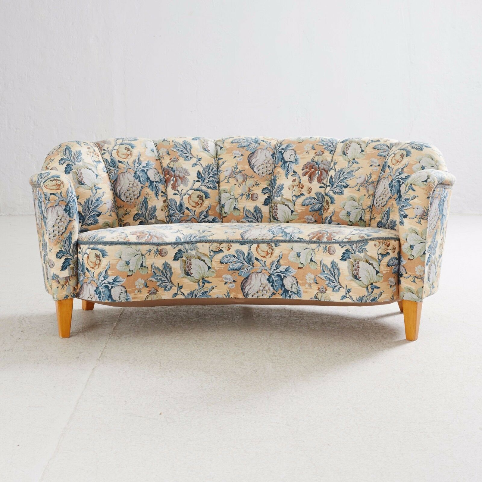 Antique Sofa 1930-40 Covered in a STUNNING-floral-design