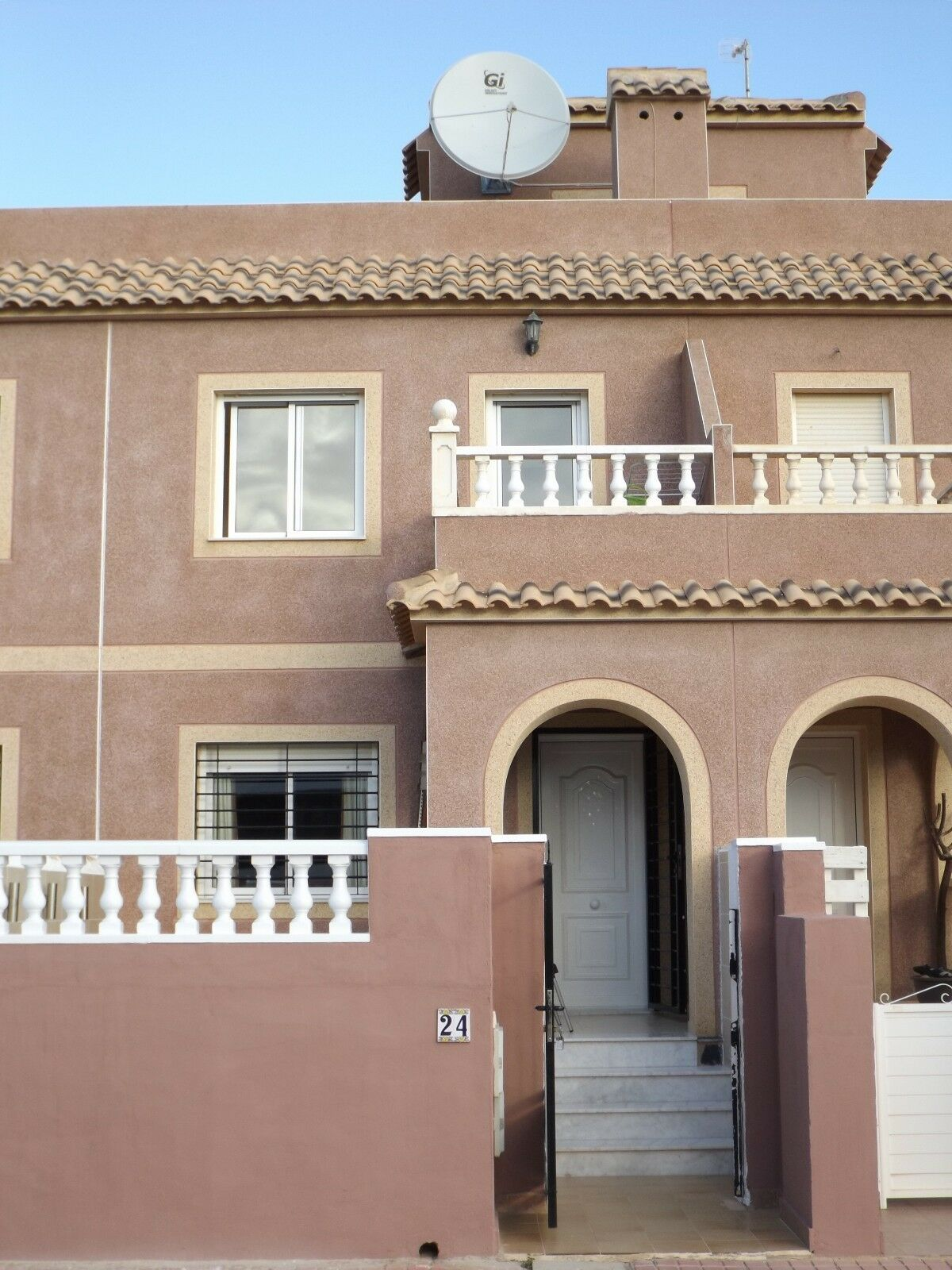 2 bedroom townhouse with bathroom shower room lounge for 2 bedroom townhouse