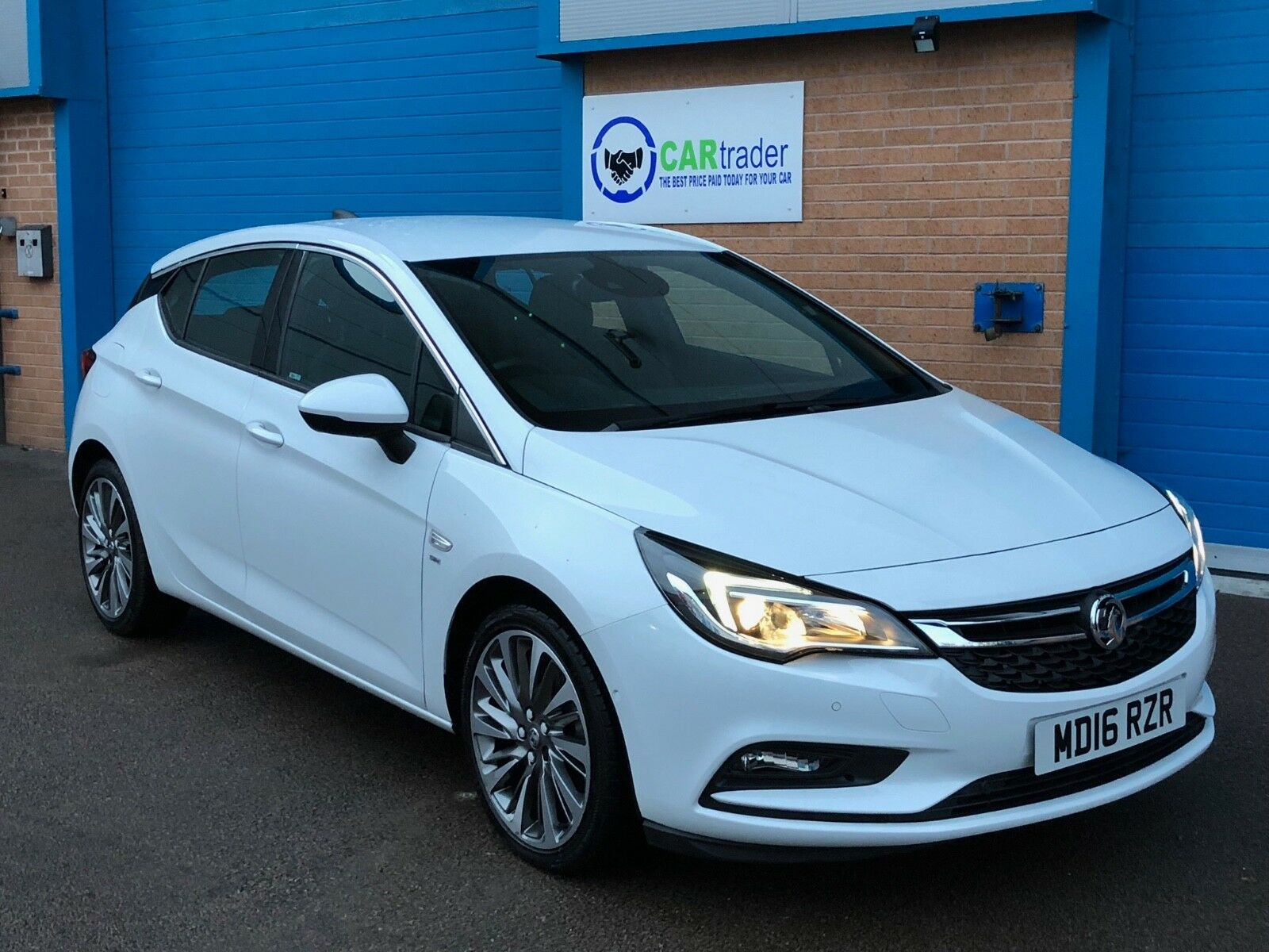 vauxhall astra diesel hatchback 1 6 cdti 16v 136 sri nav 8 picclick uk. Black Bedroom Furniture Sets. Home Design Ideas