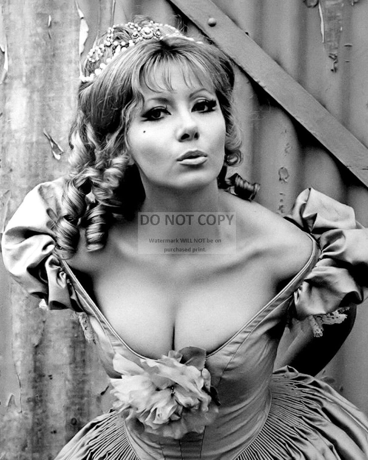 Ingrid Pitt nude (83 photo), Tits, Paparazzi, Selfie, braless 2015