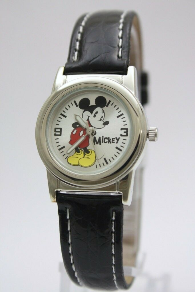 New Disney Mickey Mouse Classic Silver Tone Black Leather Band Watch MCK621