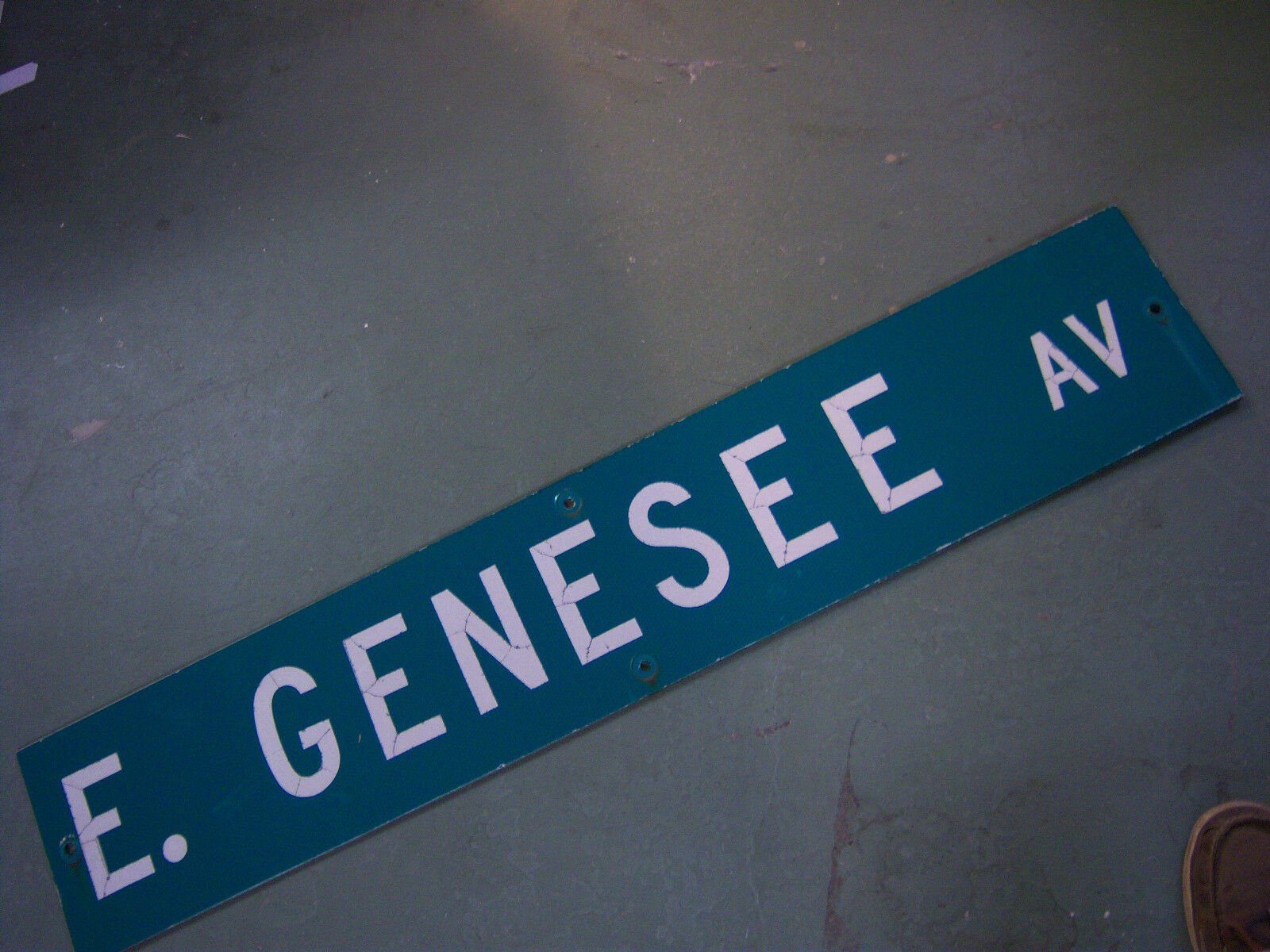 LARGE Vintage  E. GENESEE AV STREET SIGN 48 X 9 WHT LETTERING ON GRN BACKGROUND