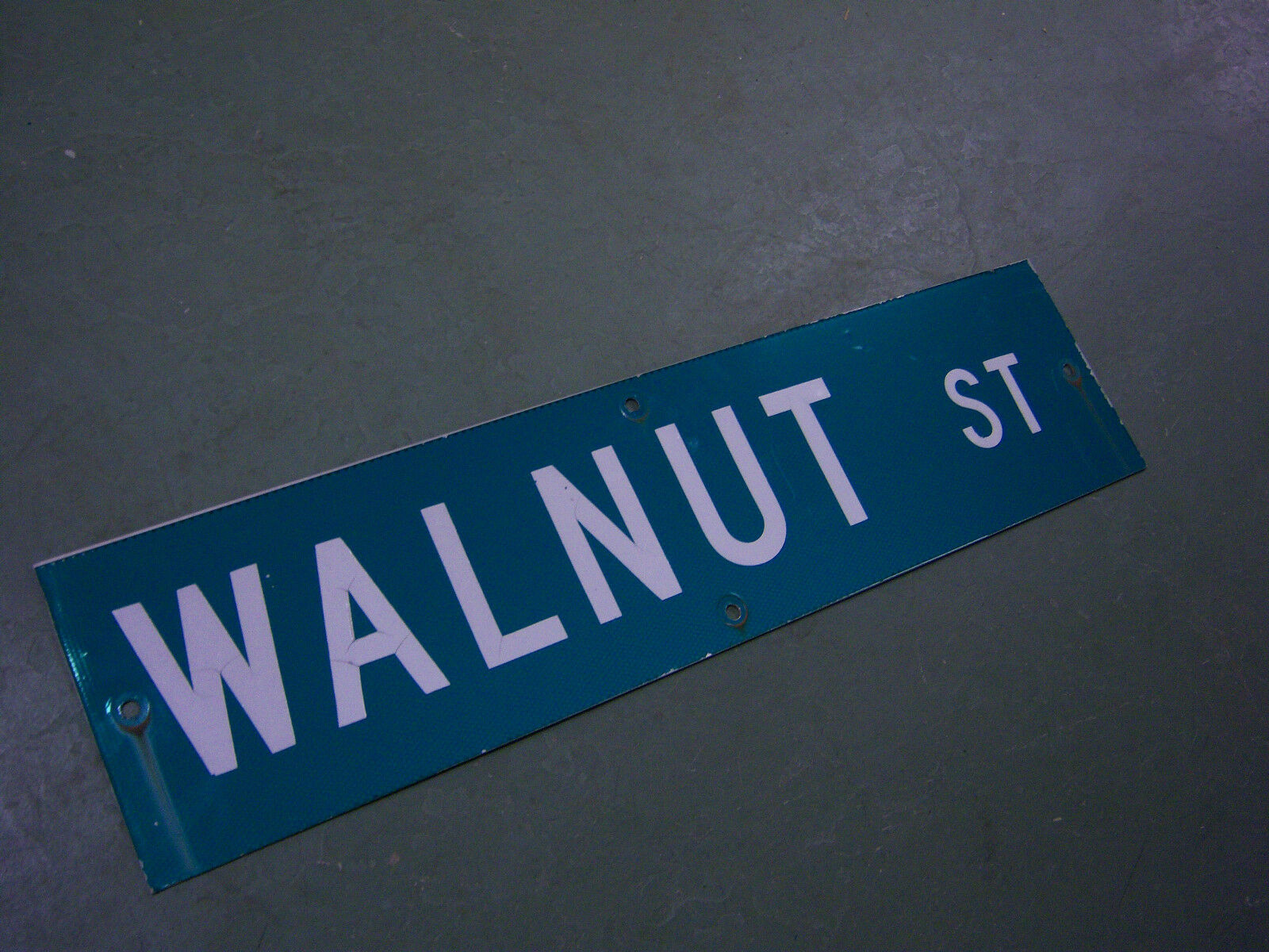 "Vintage ORIGINAL WALNUT ST STREET SIGN 36"" X 9"" WHITE LETTERING ON GREEN"
