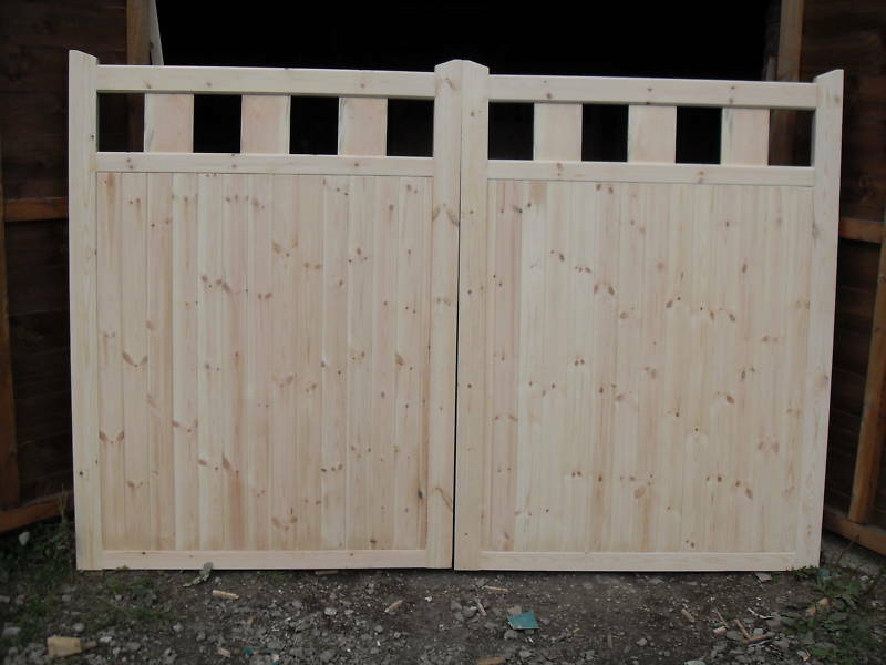Wooden driveway gates 6ft h x 7 ft w privacy range 295 for Ready made driveway gates