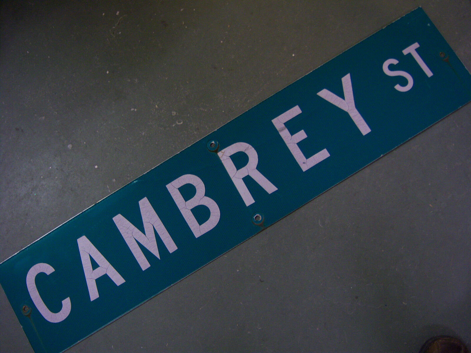 """Vintage ORIGINAL CAMBREY ST STREET SIGN 42"""" X 9"""" WHITE LETTERING ON GREEN"""