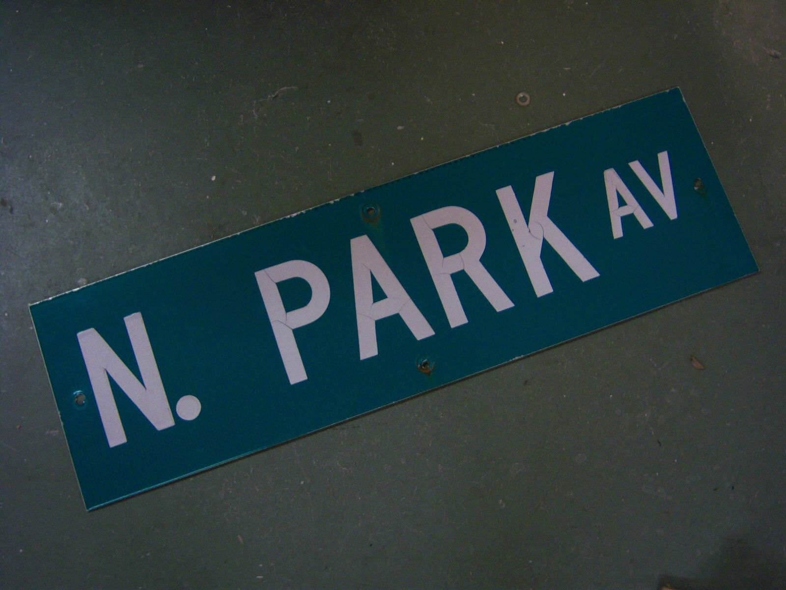 "Vintage ORIGINAL N. PARK AV STREET SIGN 30"" X 9"" WHITE LETTERING ON GREEN"