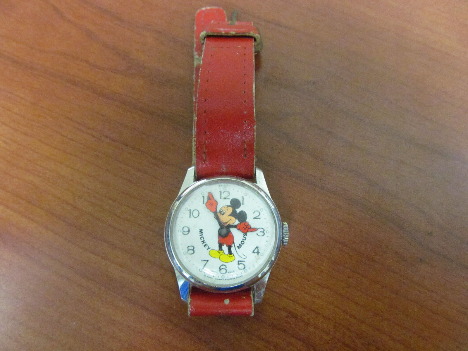 Vintage bradley mickey mouse wrist watch swiss made wind up watch 14628o picclick for Swiss made watches