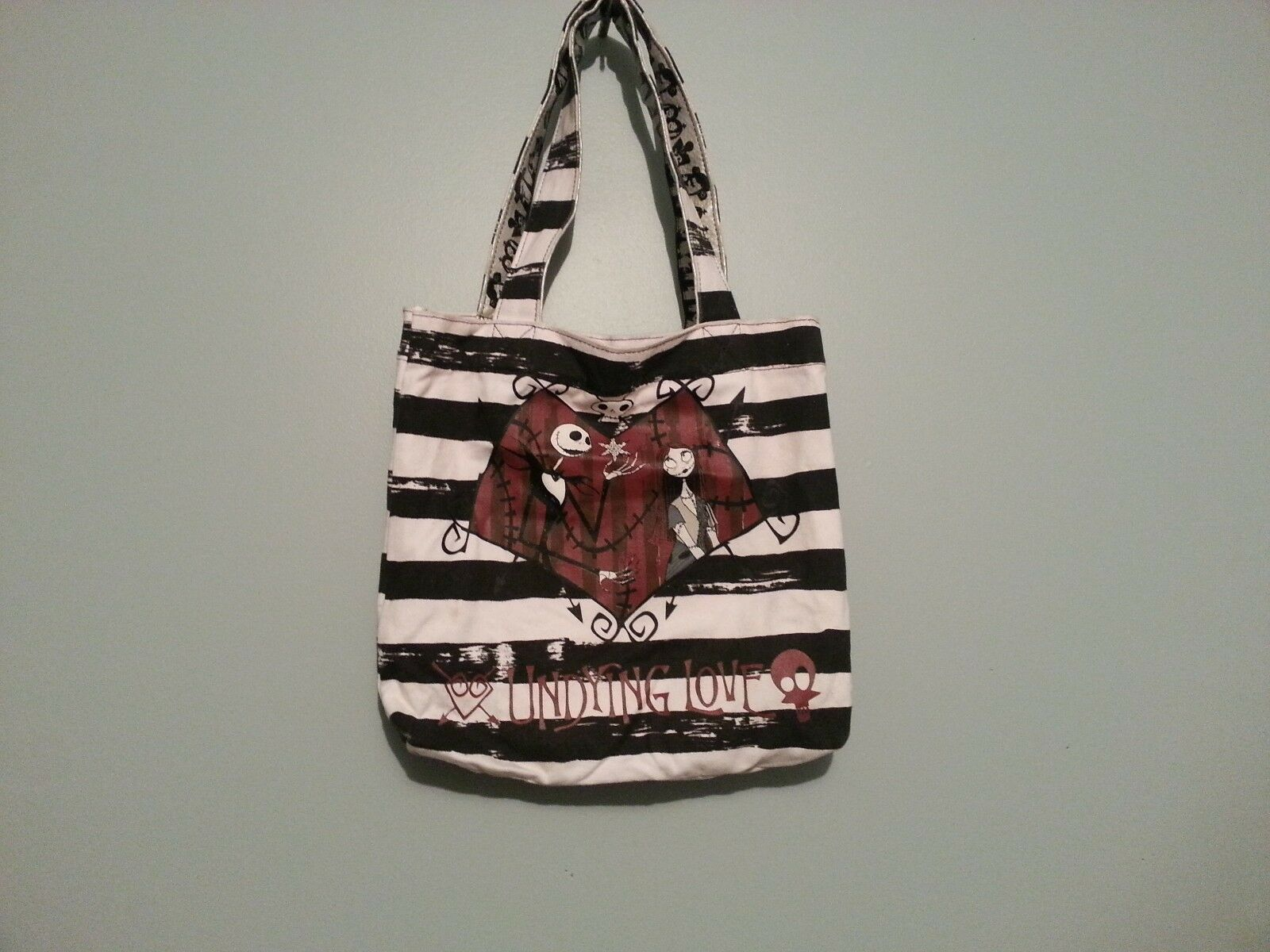 THE NIGHTMARE BEFORE Christmas Purse - $30.00   PicClick