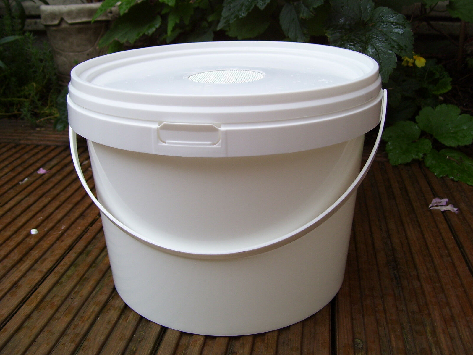 4 x 5lt Contact Feeders for Bees