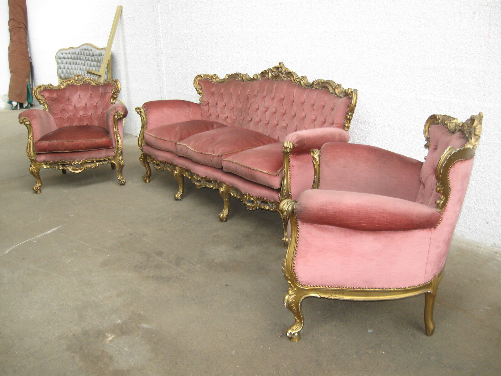 ancien salon 3 pi ces de style louis xv en bois dor tissu rose canap fauteuils eur 875 00. Black Bedroom Furniture Sets. Home Design Ideas