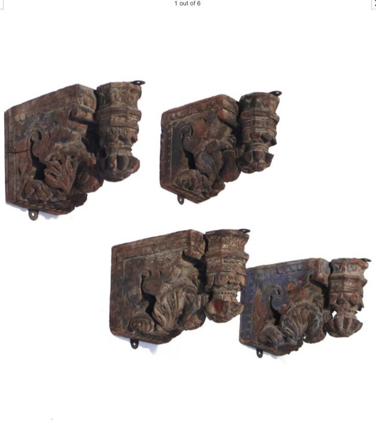 Antique Set Of 4 18th Century Italianate Carved Wood Corbels With Preening Birds