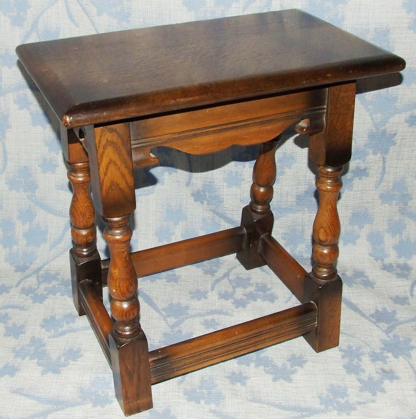 Antique Style Oak Joint Stool Table / Lamp Stand / Occasional Coffee Table (2)