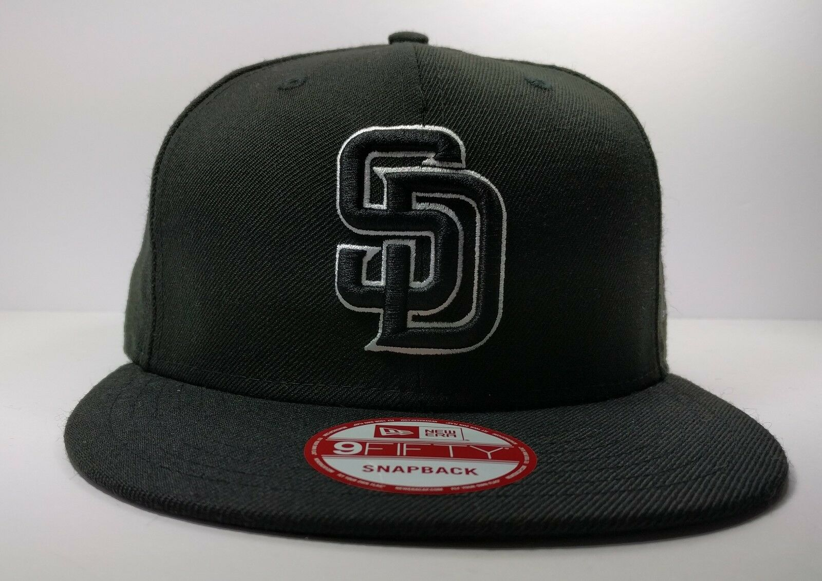 San Diego Padres New Era 9Fifty Black   White Logo Field Snapback Hat Cap  MLB 1 of 5Only 0 available ... 6400ac9decf