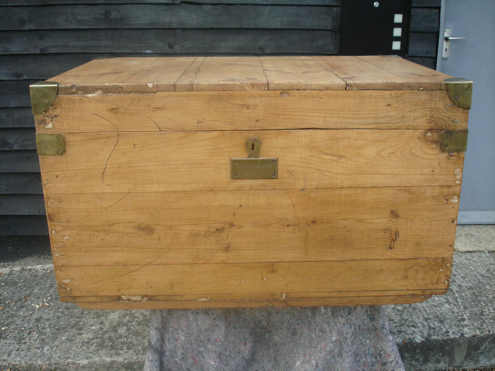 OUTSTANDING 19th CENTURY PINE LARGE BLANKET BOX TRUNK CAMPAIGN CHEST ANTIQUE