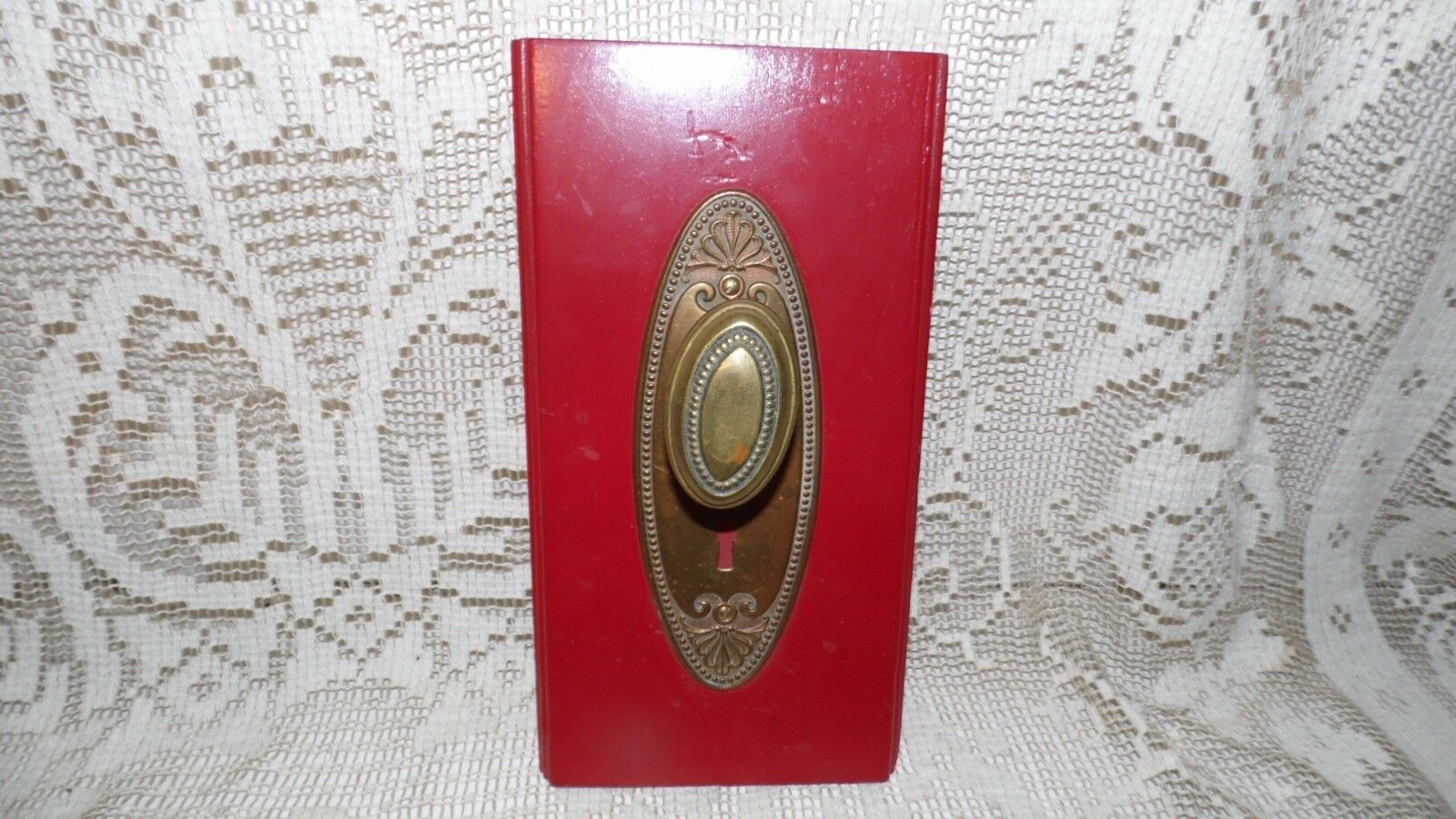Antique Ornate Brass Door Knob On Wood Plaque Wall Hanging Wash Clth Holder Etc.