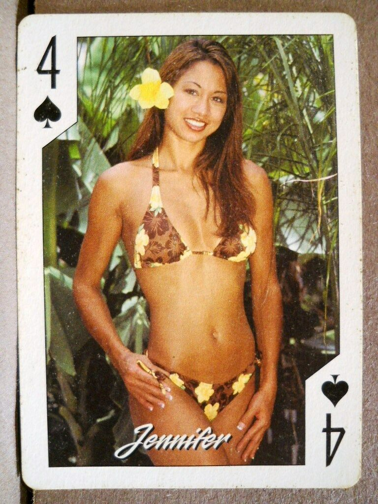 asian-girl-playing-cards