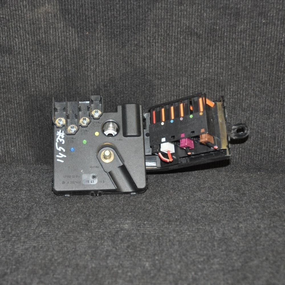 Mercedes Benz E Class Battery Fuse Block Box A2115461141 W211 32 Diesel 2004 1 Of 5only Available