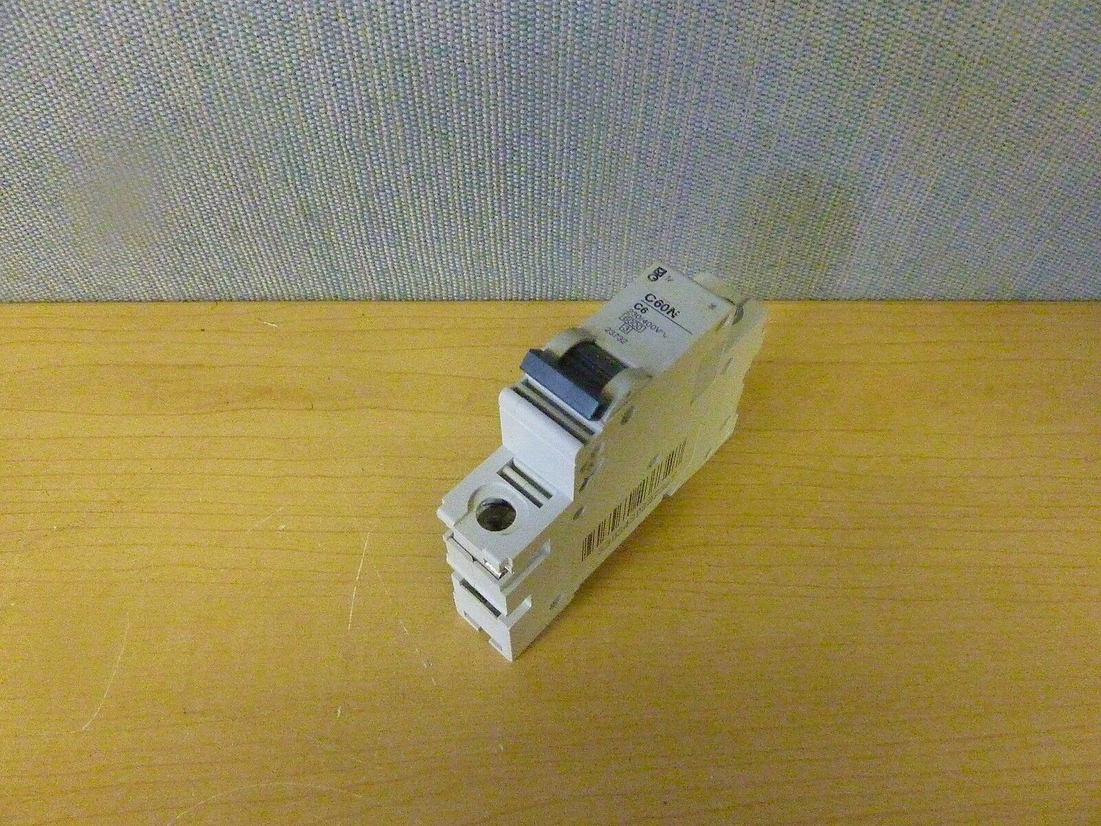 Merlin Gerin C60n C6 1 Pole 6a 230 400v Circuit Breaker 14087 Home Residential Zinsco Type R38 Of 1only 3 Available