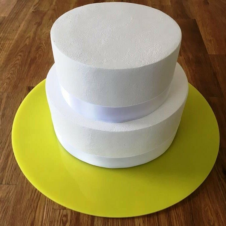 round cake board yellow gloss finish 3mm acrylic sizes 7 9 11 13 15 17 chf. Black Bedroom Furniture Sets. Home Design Ideas