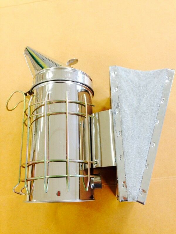 Large stainless steel smoker with removable grid