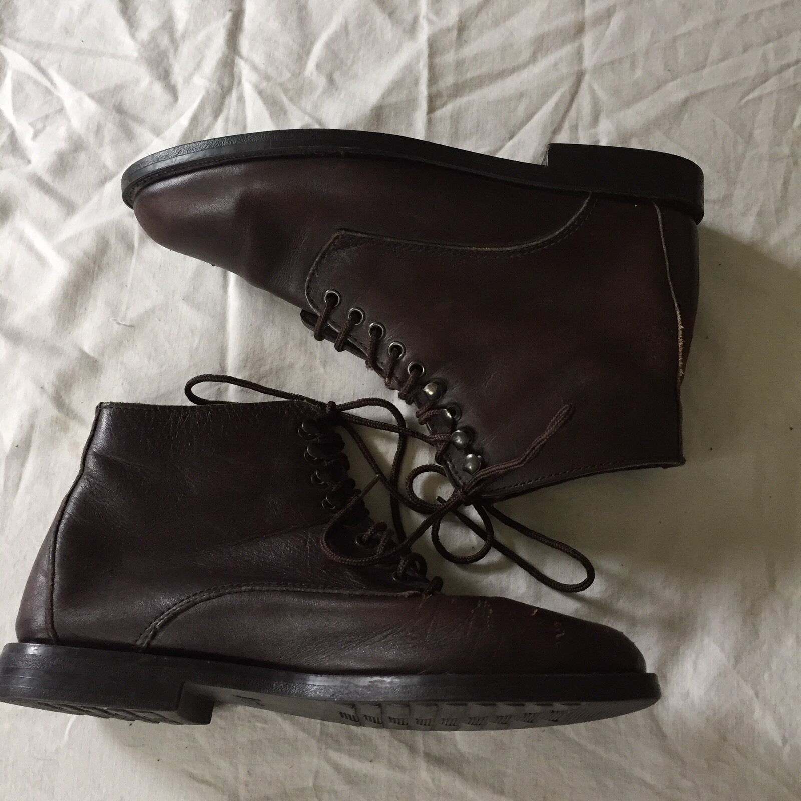 bass s size 6m brown leather ankle boots cad 1 24
