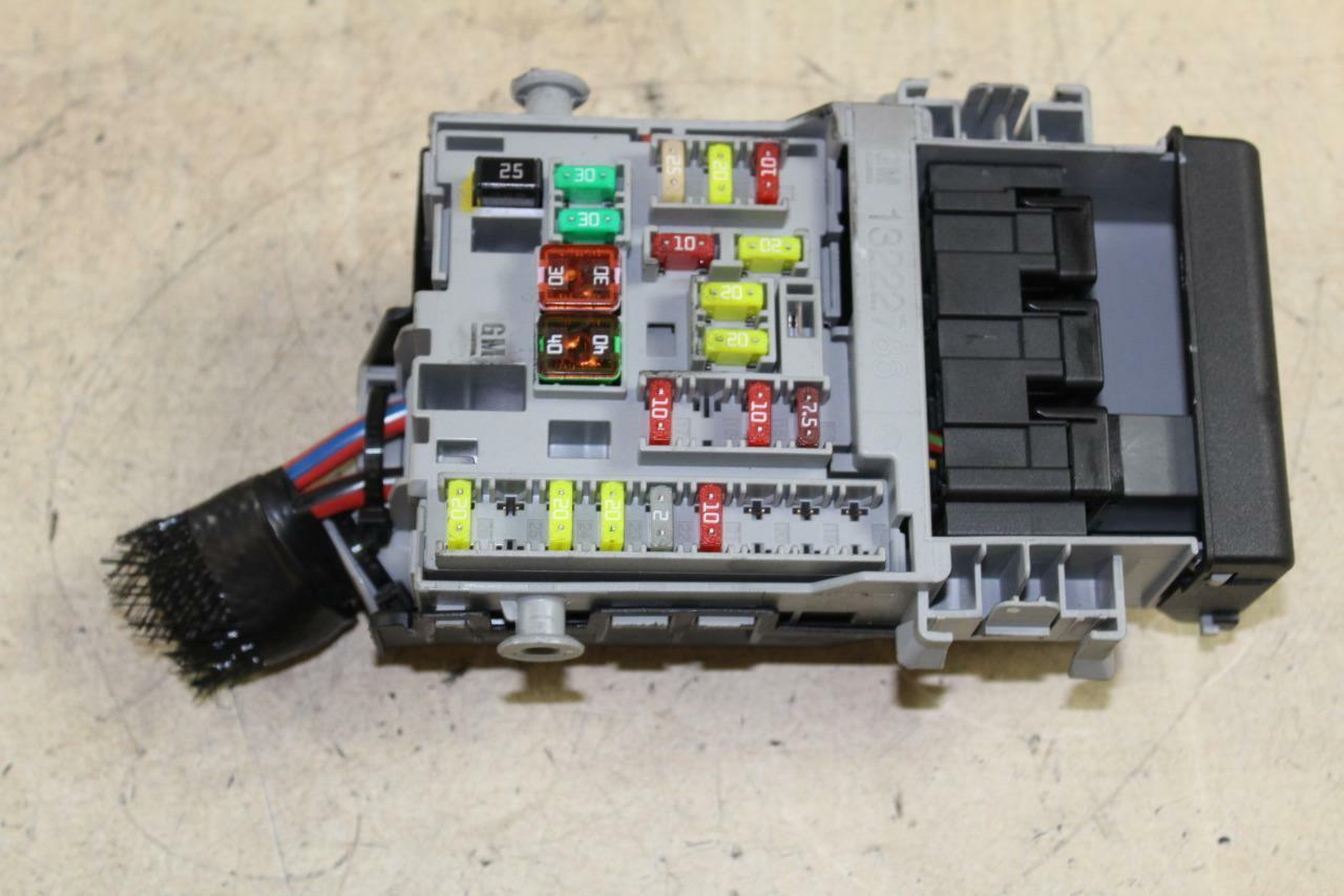 Vauxhall Insignia 2.0Cdti Fuse Box Pn 13222786 1 of 2Only 1 available ...