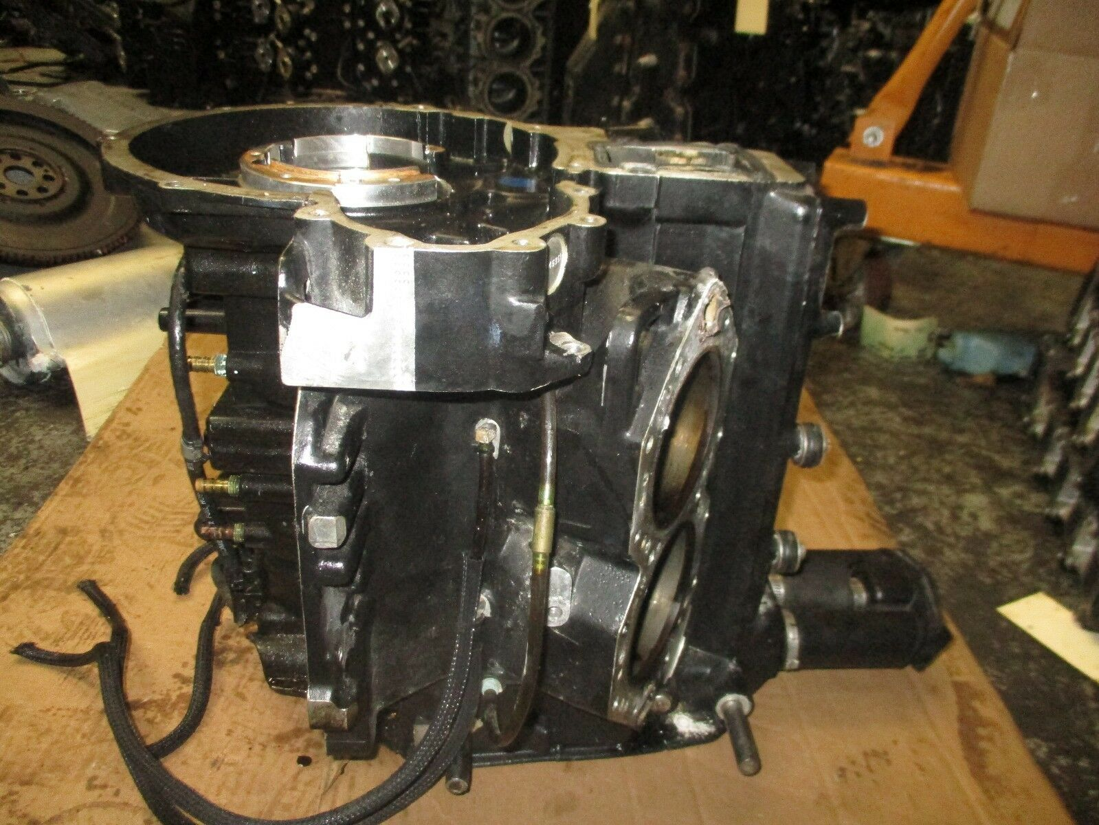 2003 Evinrude outboard 115hp Ficht crankcase block 1 of 7Only 1 available  ...