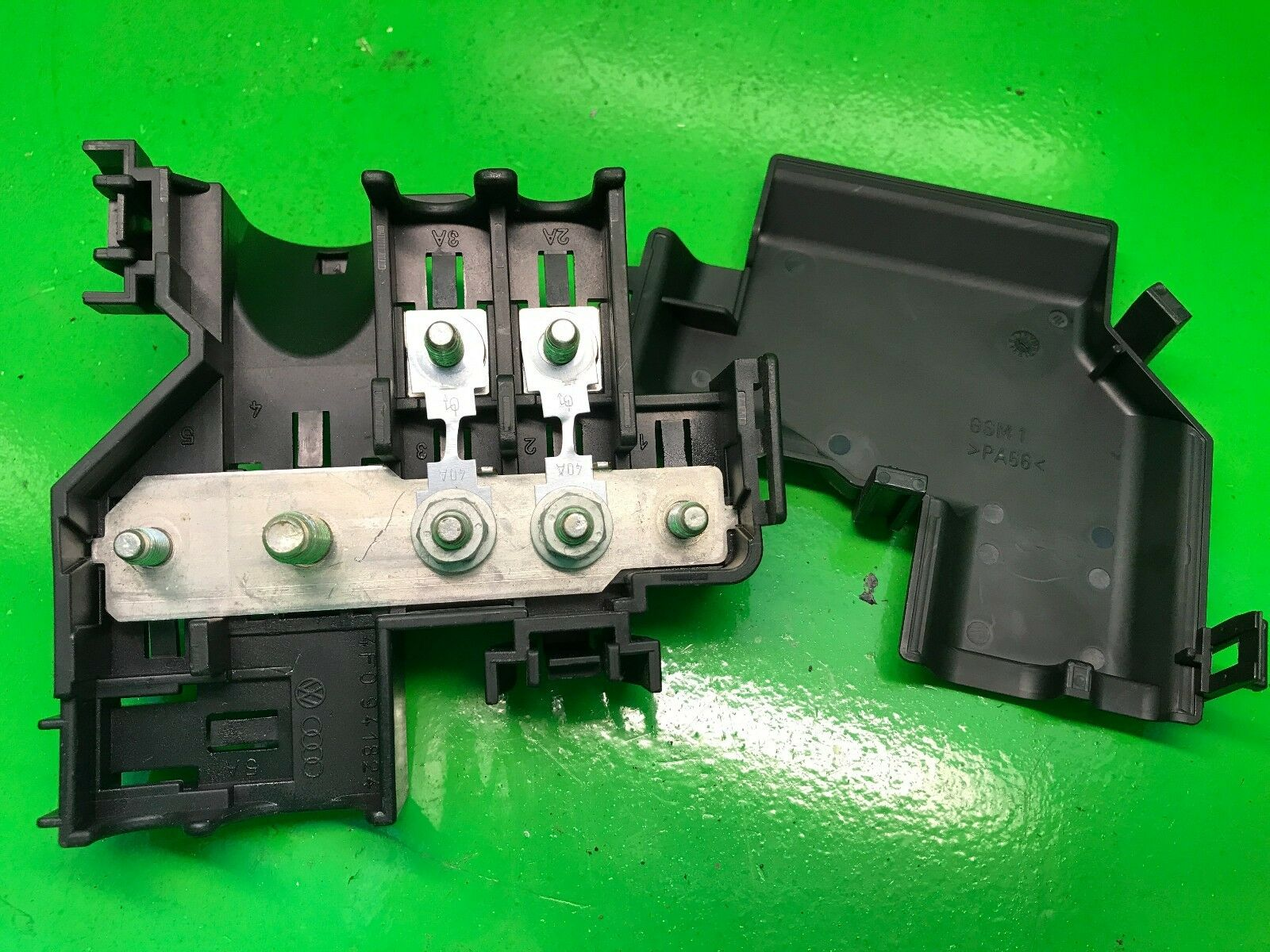 Audi A6 C6 4f Main Engine Bay Fuse Box Holder 4f0941824 4f0971981a S6 1 Of 4free Shipping
