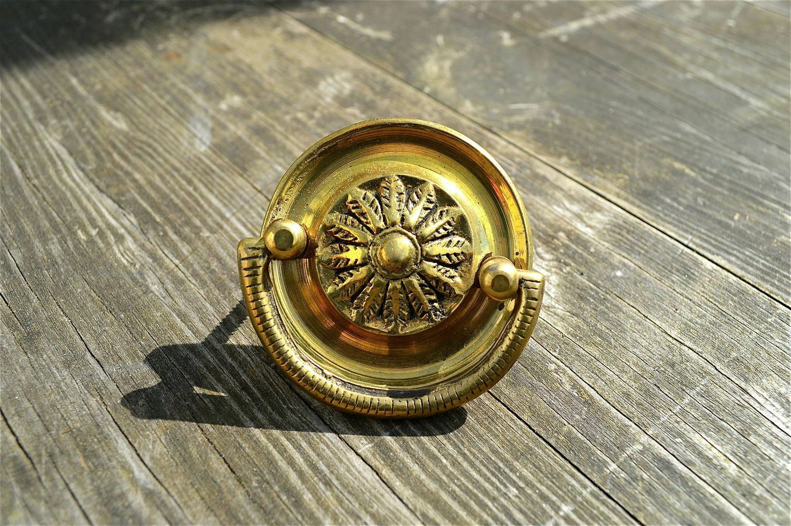 Good Quality Old Victorian Style Brass Furniture Handle Chest Round Pull Ba1