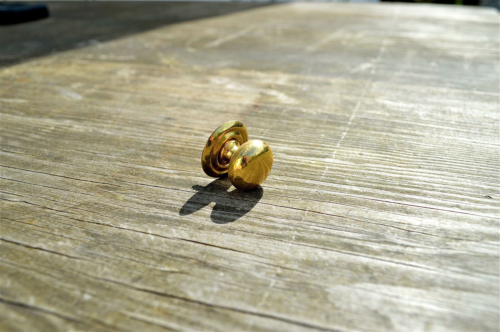 Good Quality Old Small Brass Screw In Furniture Handle Chest Knob Pull Ba4