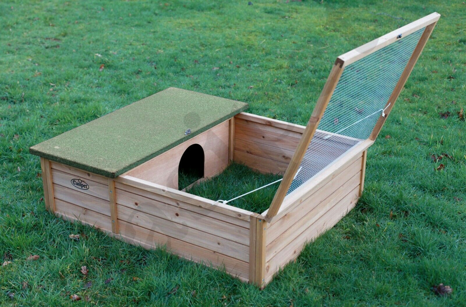 hedgehog tortoise small pet wooden house hide shelter with. Black Bedroom Furniture Sets. Home Design Ideas