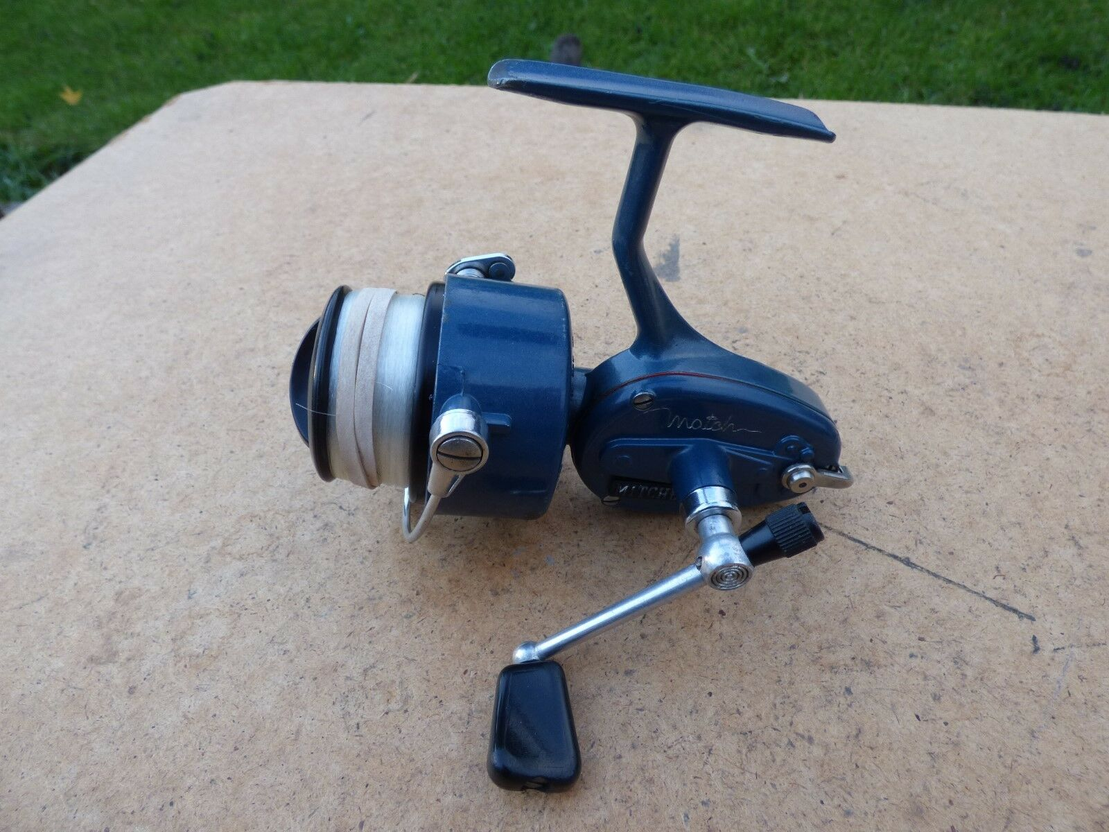 Vintage mitchell match 440a fishing reel blue for Old mitchell fishing reels