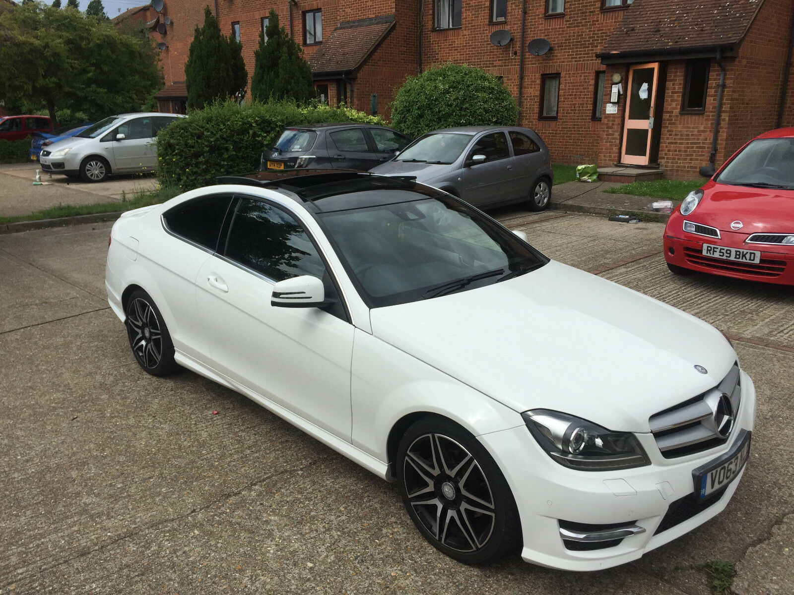 mercedes benz c250 coup amg sport plus polar white picclick uk. Black Bedroom Furniture Sets. Home Design Ideas