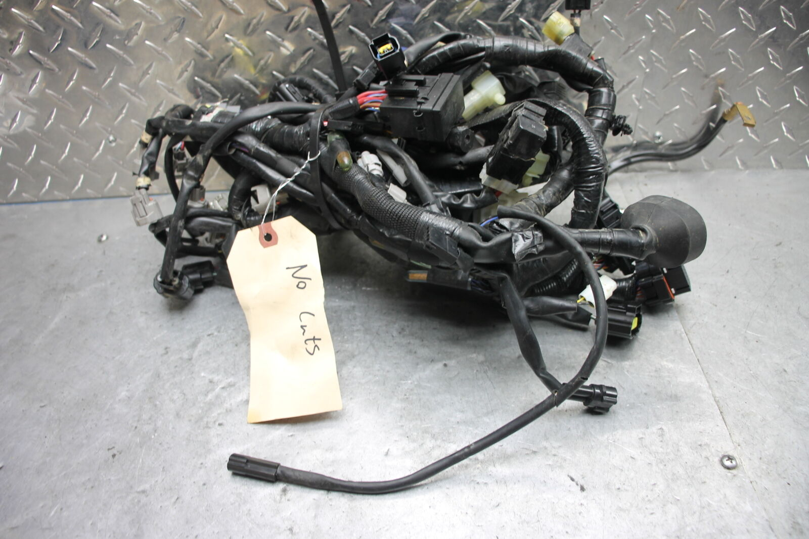 15 17 Yamaha Yzf R1 Main Engine Wiring Harness Loom 11149 1 Of 9only Available