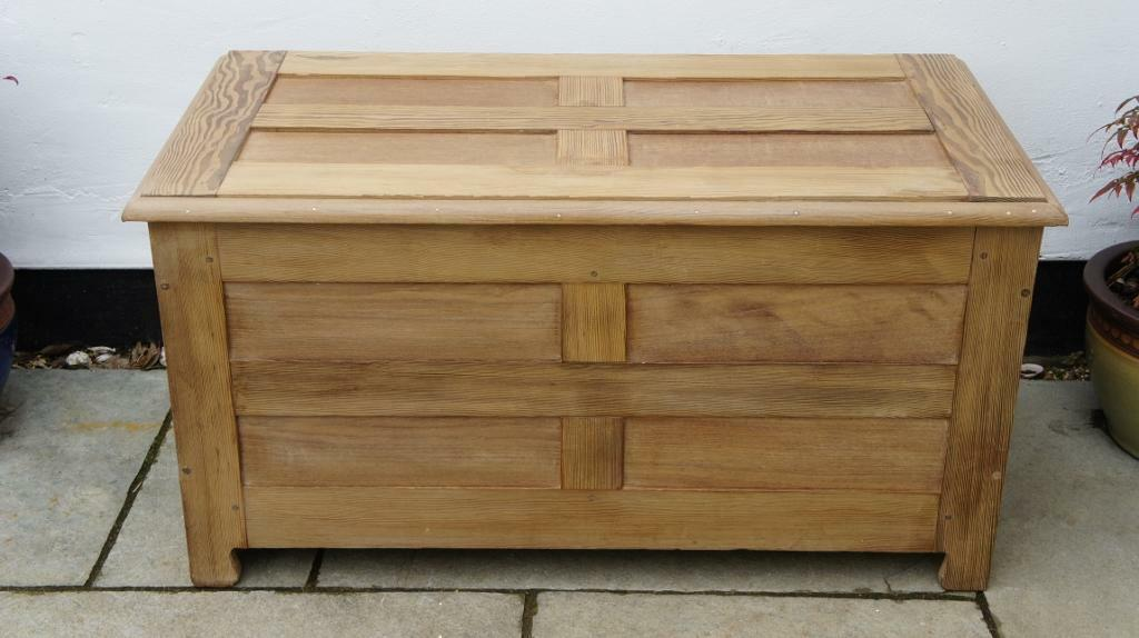 Large early 20th c pine shaker style pannelled trunk, robust, well made, VGC